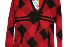 sudadera-roja-capucha-cuadros-1